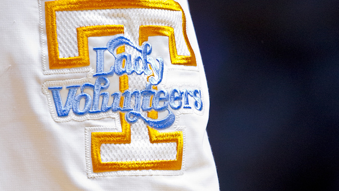Tennessee to return to Lady Vols logo