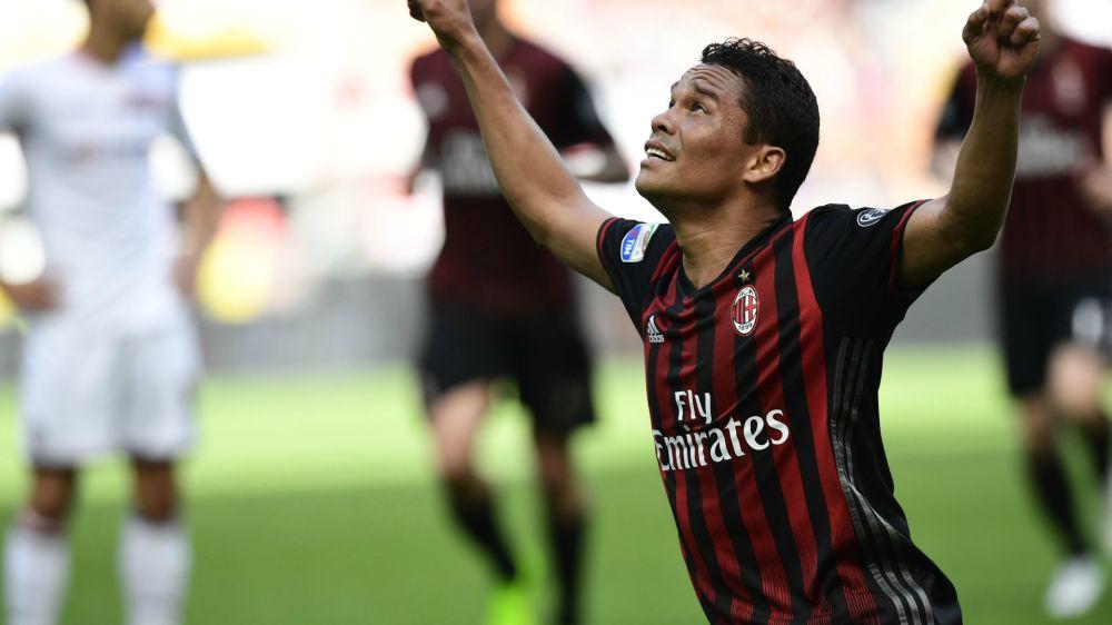 Milan-Bologna, le formazioni ufficiali: 3-5-2 con Bacca e Lapadula