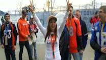 Broncos, Seahawks Fans Arrive at Super Bowl