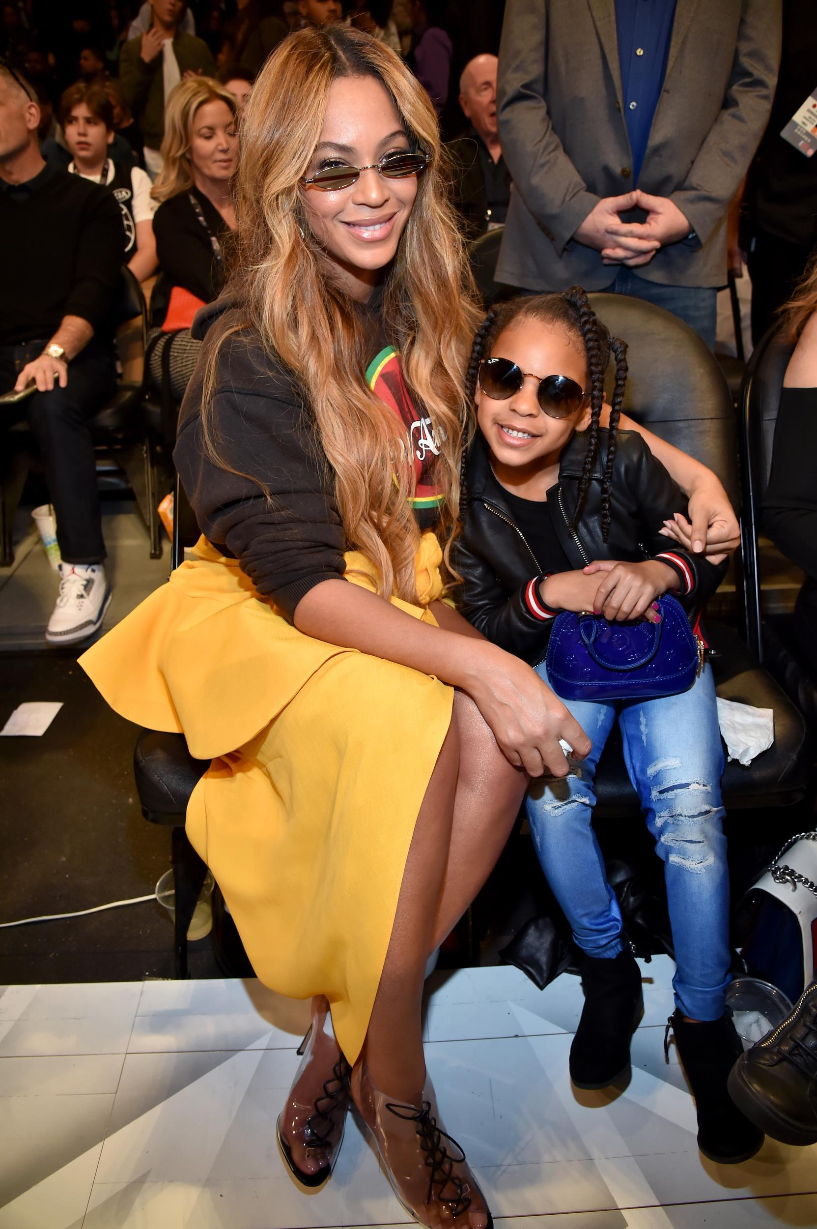 LOS ANGELES, CA - FEBRUARY 18:  Beyonce (L) and Blue Ivy Carter attend the 67th NBA All-Star Game: Team LeBron Vs. Team Stephen at Staples Center on February 18, 2018 in Los Angeles, California.  (Photo by Kevin Mazur/WireImage)