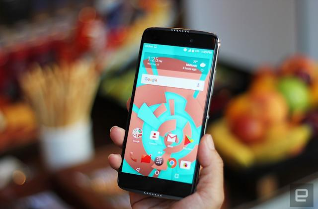 Alcatel Idol 5 hands-on: A decent phone for $200