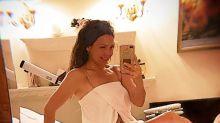 Thalía se muestra ligerita de ropa