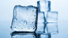 Agregar vinagre a la lavadora o hielos a la secadora y otros 5 trucos para evitar planchar la ropa