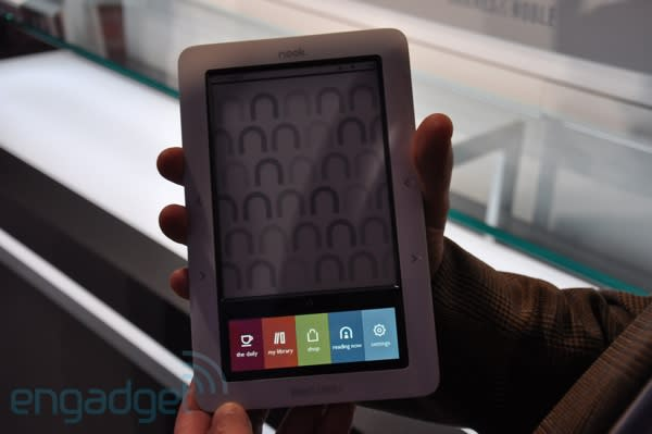 Barnes & Noble Nook's first close-up (now with video!)