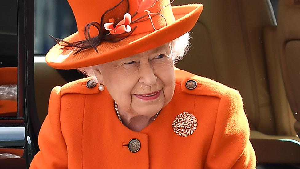 Queen, 92, posts on Instagram for the very first time