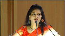 Fact Check: Woman Winning Award in Viral Video is Not Hyderabad Rape Victim