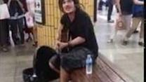 Subway Busker Gets Korean Crowds to Sing Along