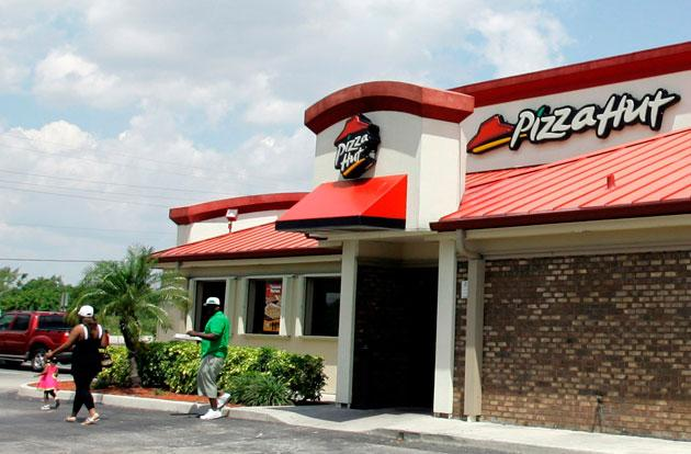 Woman uses Pizza Hut's mobile app to escape a hostage crisis