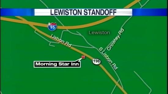 Lewiston police in standoff at motel