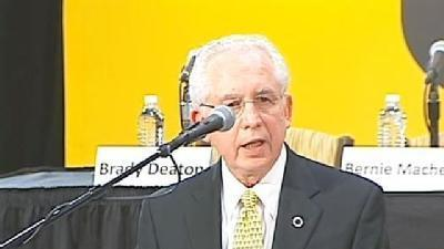 Raw Video: SEC Commissioner Mike Slive Welcomes Mizzou