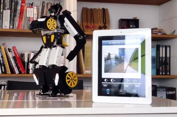 Transforming RC robot reaches production form packing heat and a WiFi camera (video)