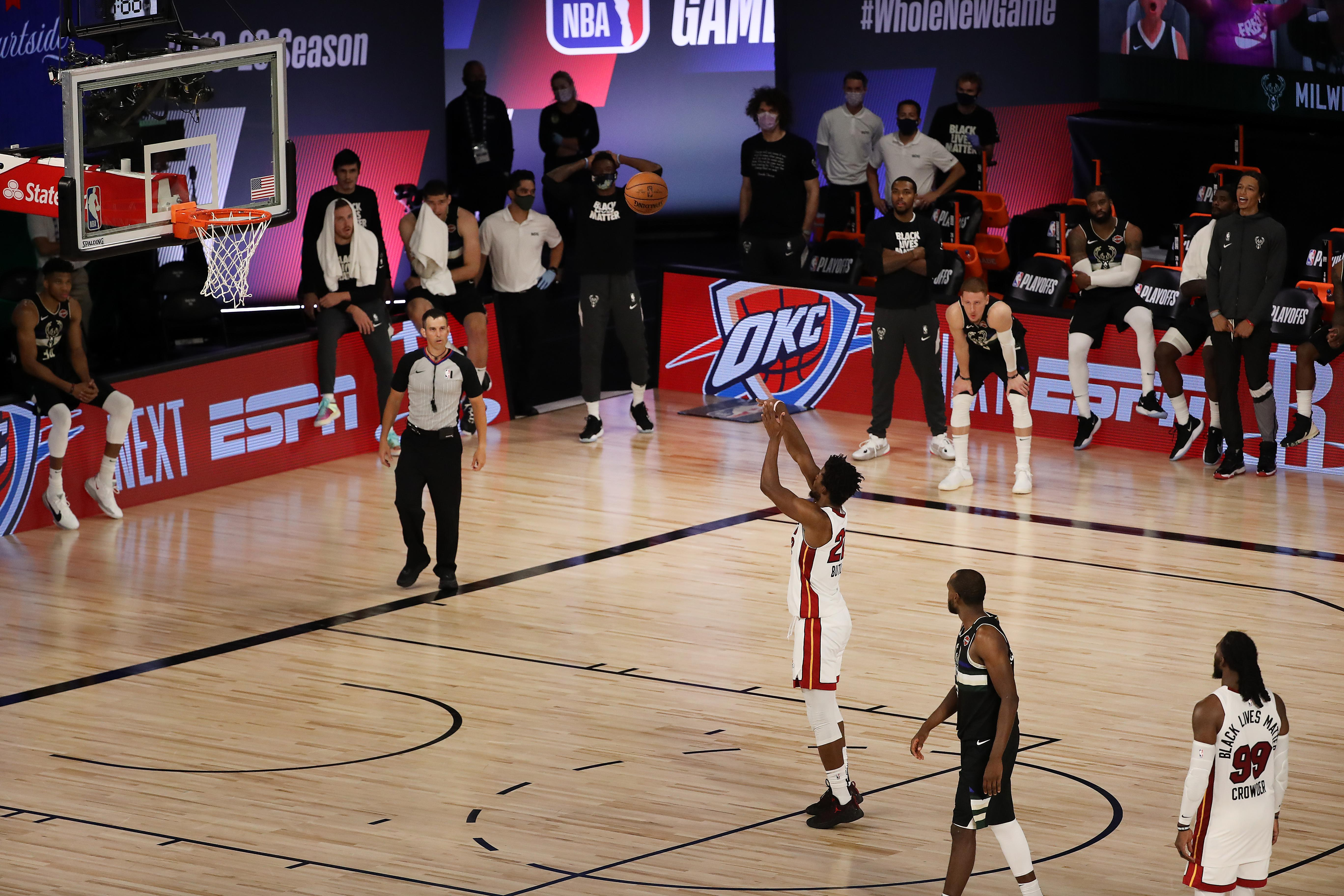 Nba Bucks In 0 2 Hole After Controversial Finish Vs Heat