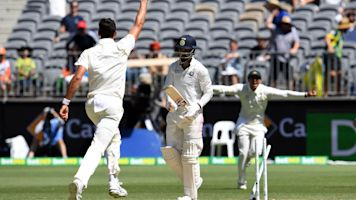 Summer of Cricket: Aussies close in on levelling win