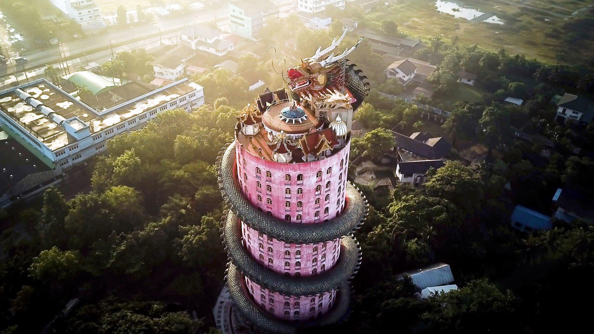 Yahoo Lifestyle News >> Ascend Thailand's Temple of the Rising Dragon [Video]