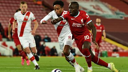 Mané and Thiago sink Southampton to keep Liverpool's European hopes alive