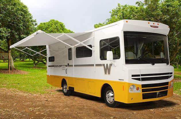 The 2015 Winnebago Brave's retro flair makes for one stylish roadtripper