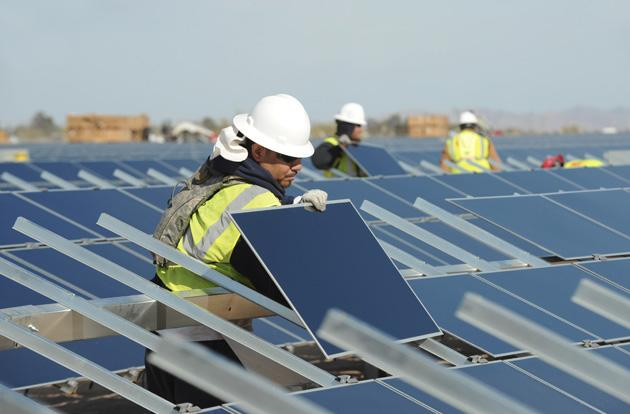 Apple invests in a solar farm that can power 60,000 homes