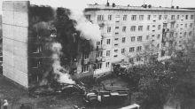 El piloto soviético que intentó asesinar a su exmujer estrellando un avión contra el edificio de sus suegros