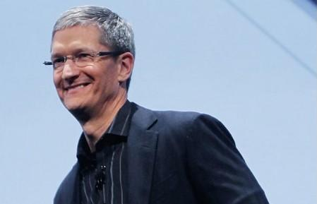 Tim Cook focuses on charity during Town Hall meeting