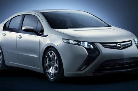 GM's Opel Ampera plug-in hybrid hits the carpet in Geneva