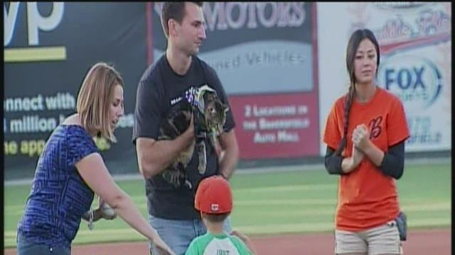 Famous Bakersfield cat does not 'paws' for one second, makes history on the field