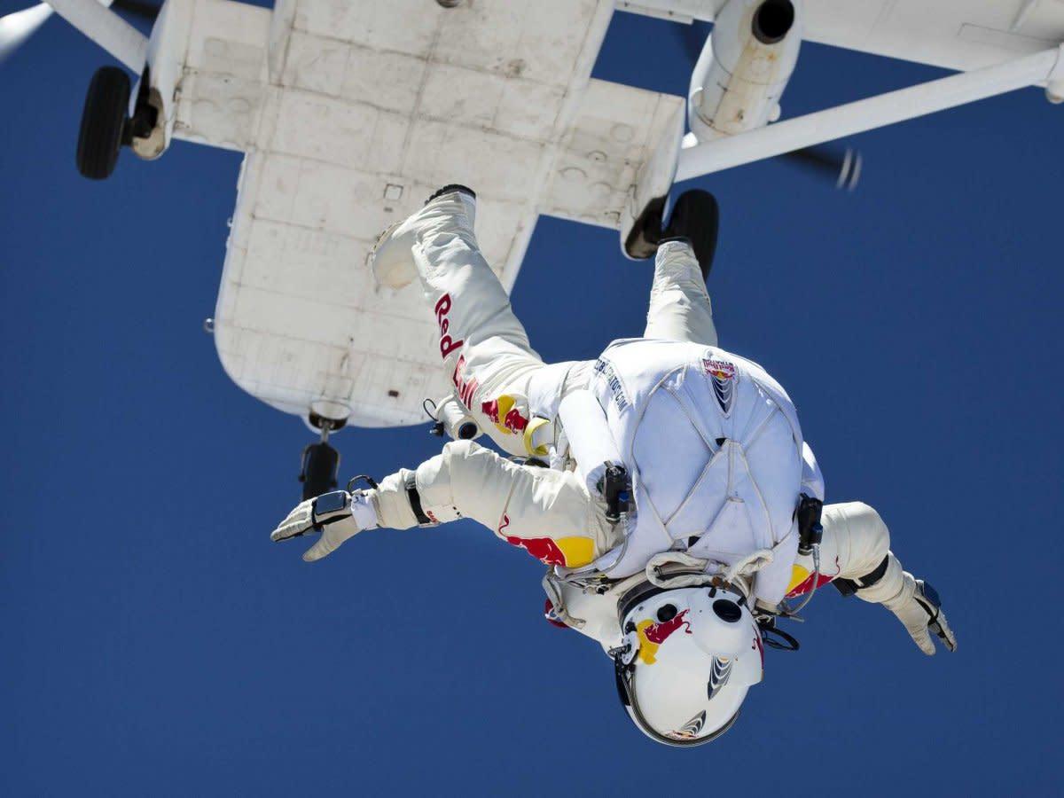 прыжок из космоса фото девочка мечтает славе
