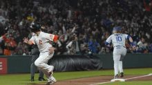 Giants take advantage of Cody Bellinger's risky throw to edge Dodgers