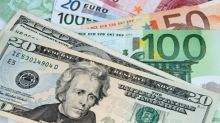 EUR/USD Price Forecast – Euro Continues to Reach Towards the 50 Day EMA