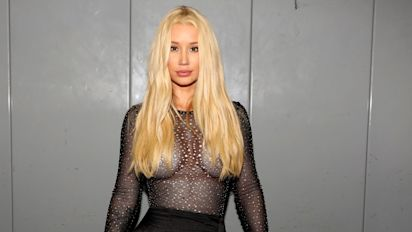 Iggy Azalea claps back at criticism over nude photos