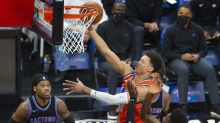 Kings complete sweep of Thunder, still hope for playoffs