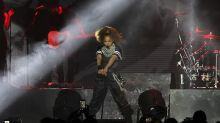 Janet Jackson is moved to tears onstage speaking about late father Joe Jackson