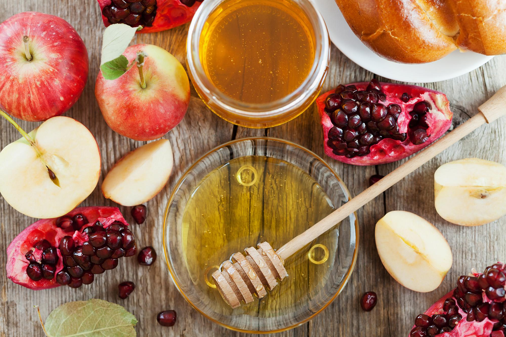 The Meaning Behind 5 Of The Most Popular Rosh Hashanah Traditions