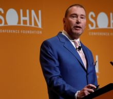 Jeff Gundlach says to short Facebook in his new pair trade idea