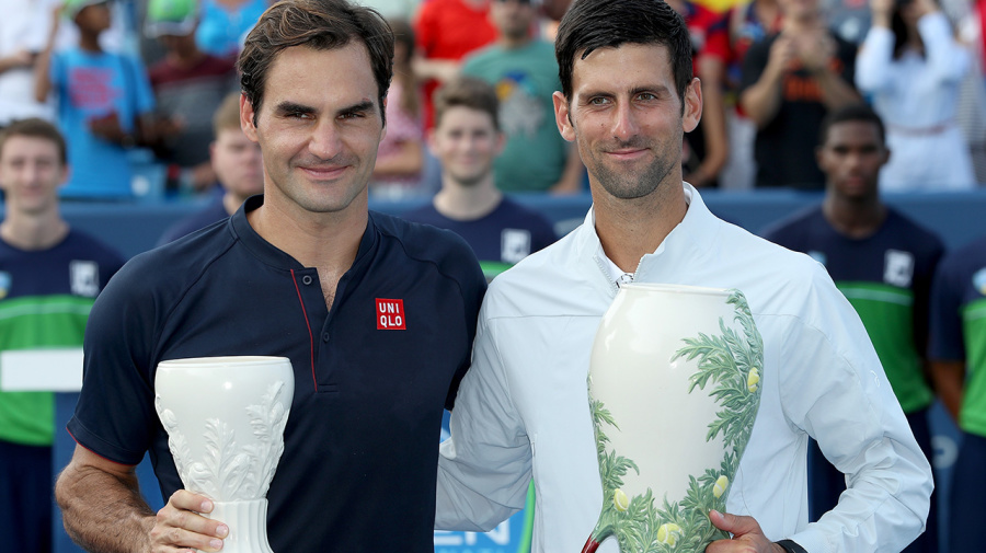 Federer's classy act of sportsmanship after loss to Djokovic