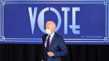 """Biden courtise les """"seniors"""" en Floride, Trump retrouve les foules"""