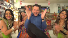 Nick Xenophon Releases 'Cheesy' New Campaign Ad