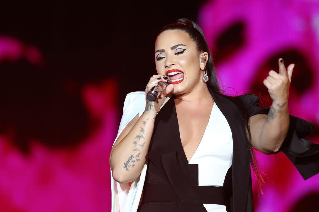 Demi Lovato celebrates her curves in new unedited bikini selfie: 'So gorgeous'