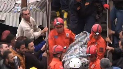 Rescuers in Turkey work to save trapped miners