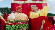 "Taylor Swift e Katy Perry fanno pace nel video di ""You Need to Calm Down"""
