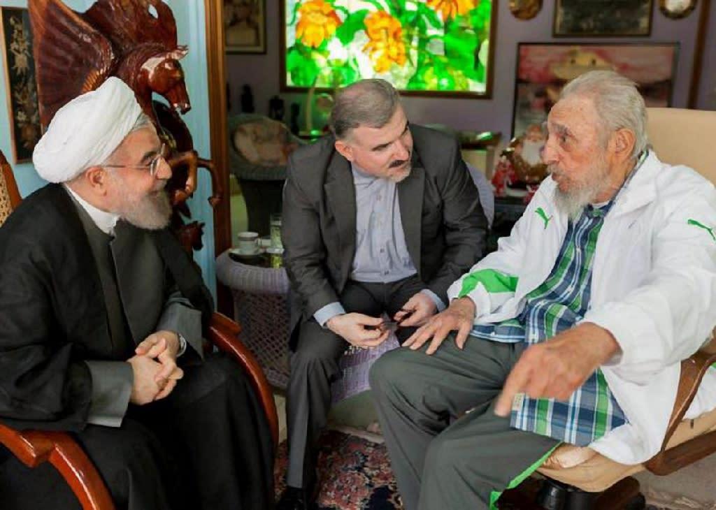Iranian President Hasan Rohani (left) meets former Cuban leader Fidel Castro in Havana, on September 19, 2016