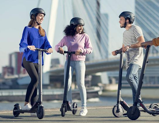 Save $120 on Segway's ES2 foldable electric scooter at Wellbots
