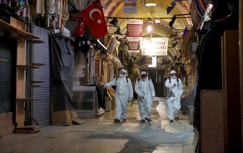 Pressure for Turkey lockdown grows, Erdogan vows to sustain economy