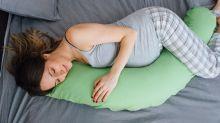 La razón por la que si estas embarazada no debes dormir del lado derecho