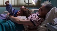 La historia real de 'El cuaderno de Tomy', la película de Netflix que enseña a ver la muerte de otra manera
