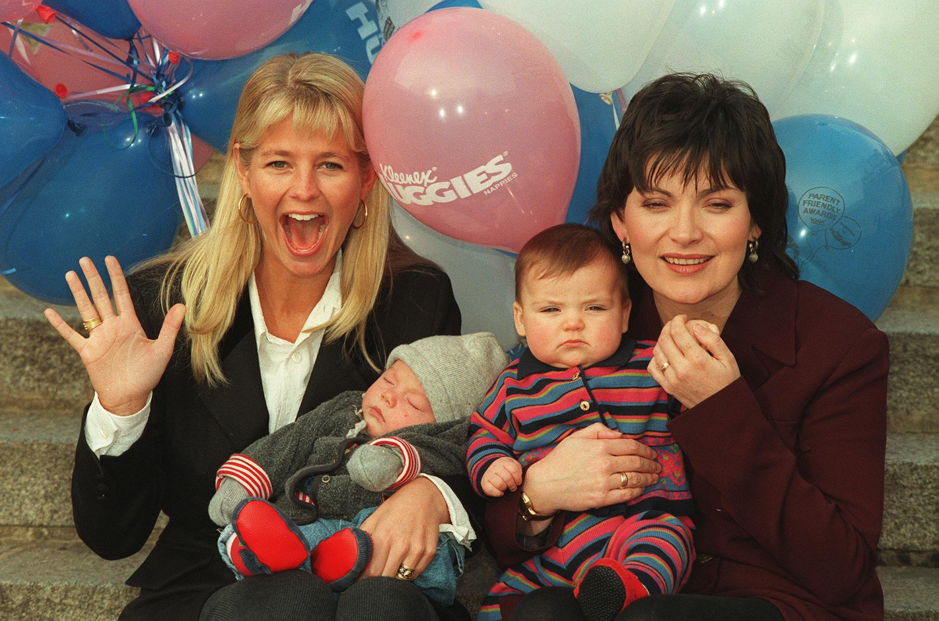 PA NEWS PHOTO 13/1/95  TV PRESENTER ULRIKA JONSSON (LEFT) WITH HER THREE-MONTH OLD SON CAMERON AND LORRAINE KELLY WITH HER SEVEN-MONTH OLD DAUGHTER ROSY AT THE LAUNCH OF TOMMY'S PARENT FRIENDLY AWARDS SUPPORTED BY KLEENEX/HUGGIES NAPPIES IN LONDON