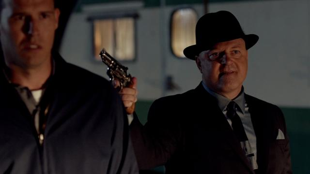 Vegas - You Ask, They Tell: Michael Chiklis