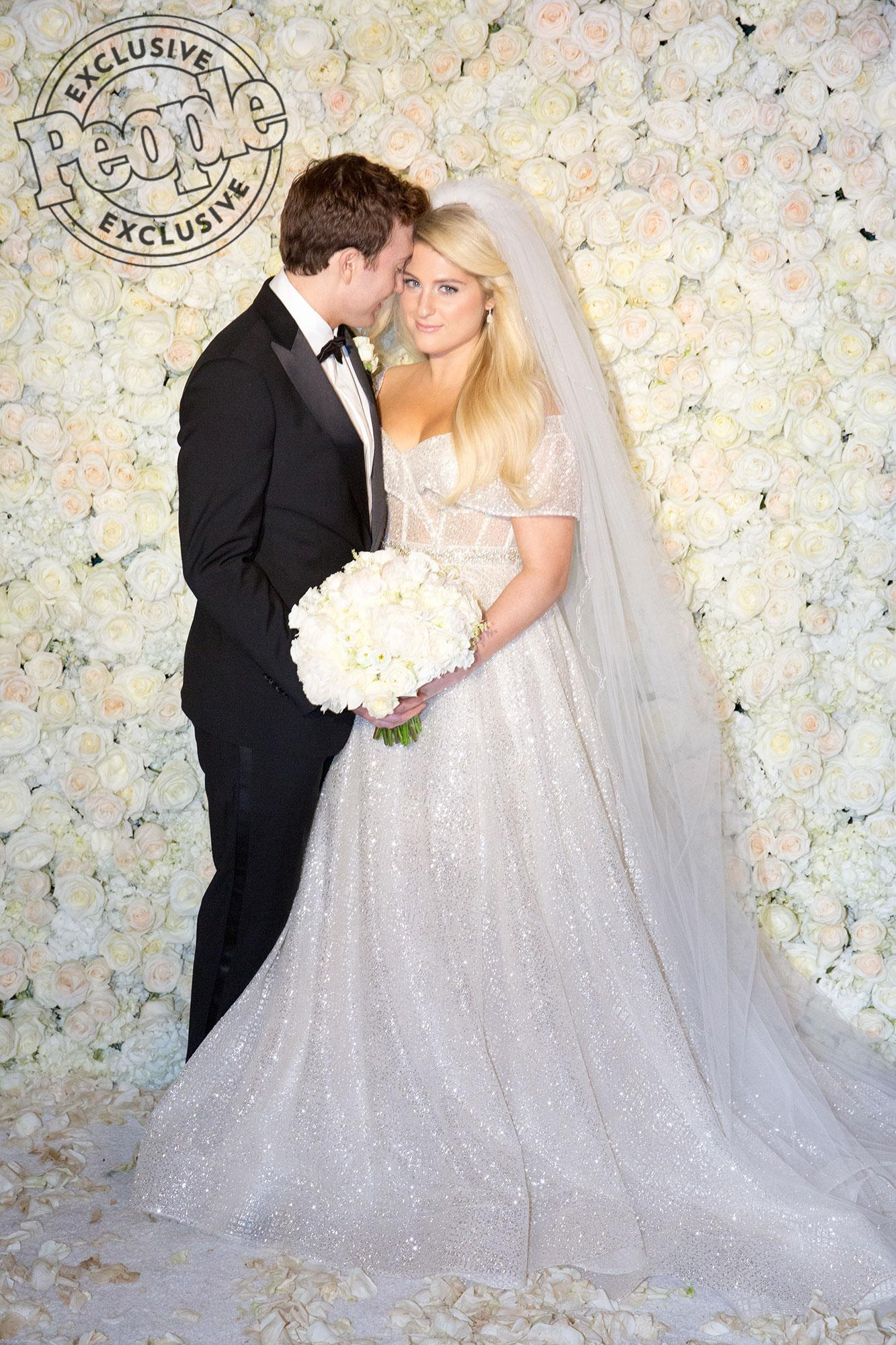 All About Meghan Trainors Glamorous And Modern Wedding Dress