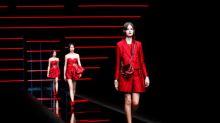 """""""Rei Giorgio"""" adota estilo livre em linha da Emporio Armani na Semana de Moda de Milão"""