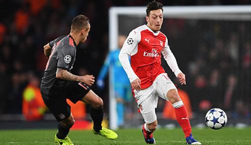 """Premier League: Arsenal-Star Mesut Özil: """"Jage nicht dem Ball nach"""""""