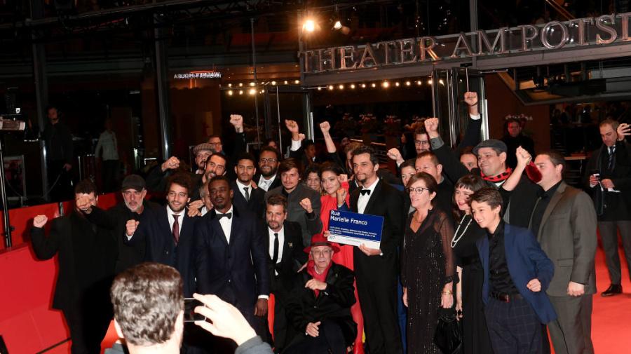 Wagner Moura homenageia Marielle na Alemanha